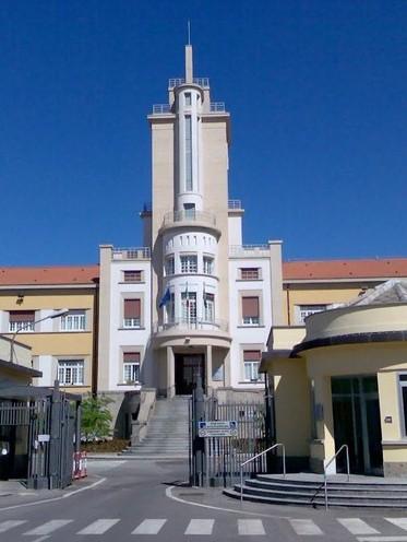 大学英�y�%:+��)ޚ)_意大利英苏布里亚大学