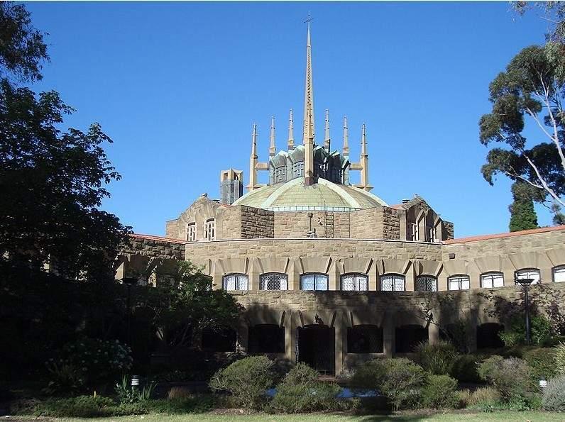 澳大利亚墨尔本大学