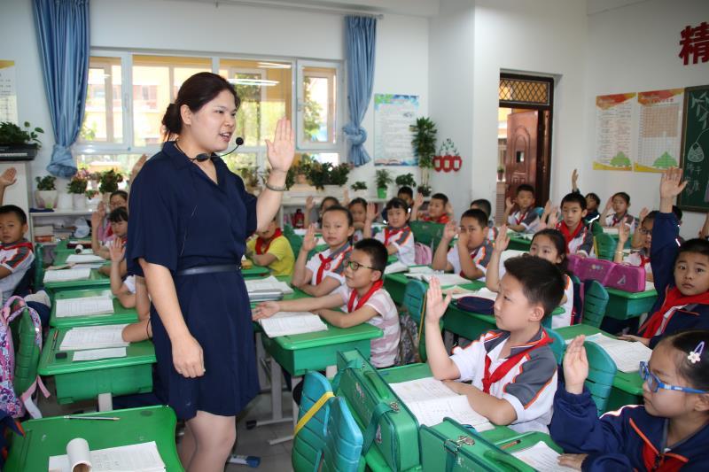 陕西榆林市高新区第五小学教师薛利宁:桃李不言自成蹊